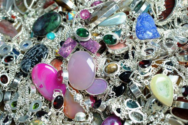 Comment faire des bijoux faits maison ?